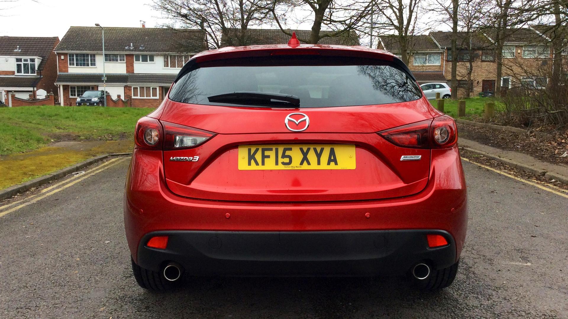 Red_Mazda_Mazda3_2_0.jpg